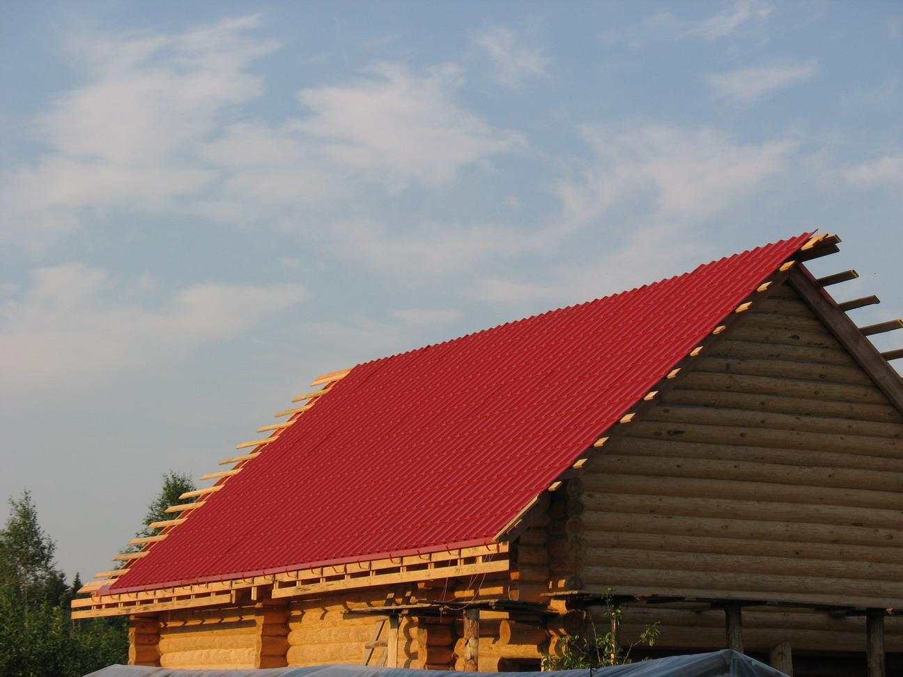 Накрыть крышу металлочерепицей своими руками