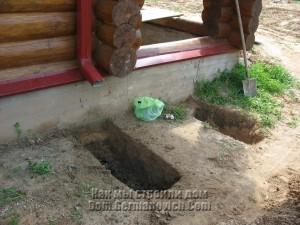 Начинаем копать траншеи для ливневой канализации