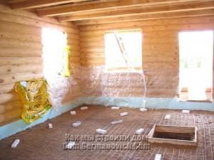 Защитили стены пленкой чтобы не забрызгать их бетоном