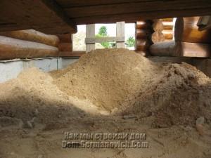 Песок на террасе