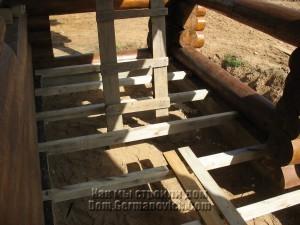 Лаги укложены с шагом примерно 50 см