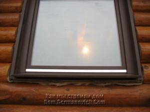 Двойной слой джута под окном