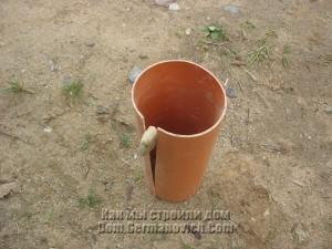 Опалубка для заливки столбов из пластиковой трубы