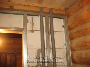 Верхняя часть профилей фальшь-стены в зоне умывальника