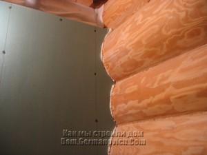 Стык фальшь-стены со срубом