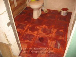 Плитка на полу после затирки швов