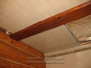 Зашивка потолка в санузле пластиковыми панелями
